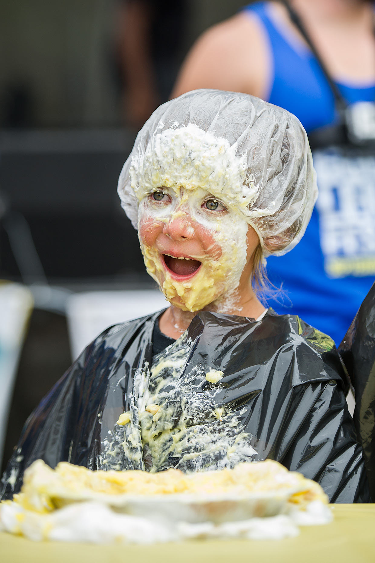 LAT_pie-eating-contest-at-california-lemon-festival-in-goleta-california