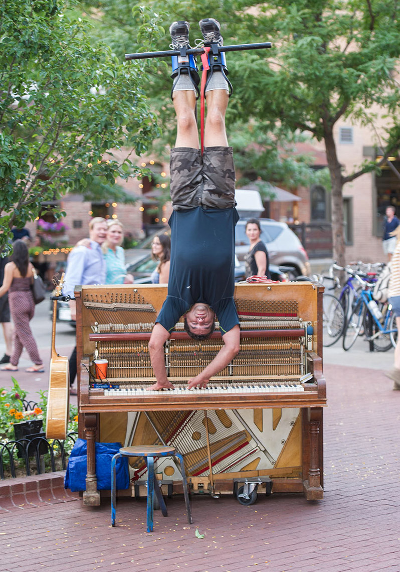 20160717_hanging-musician_photoreporters_001A