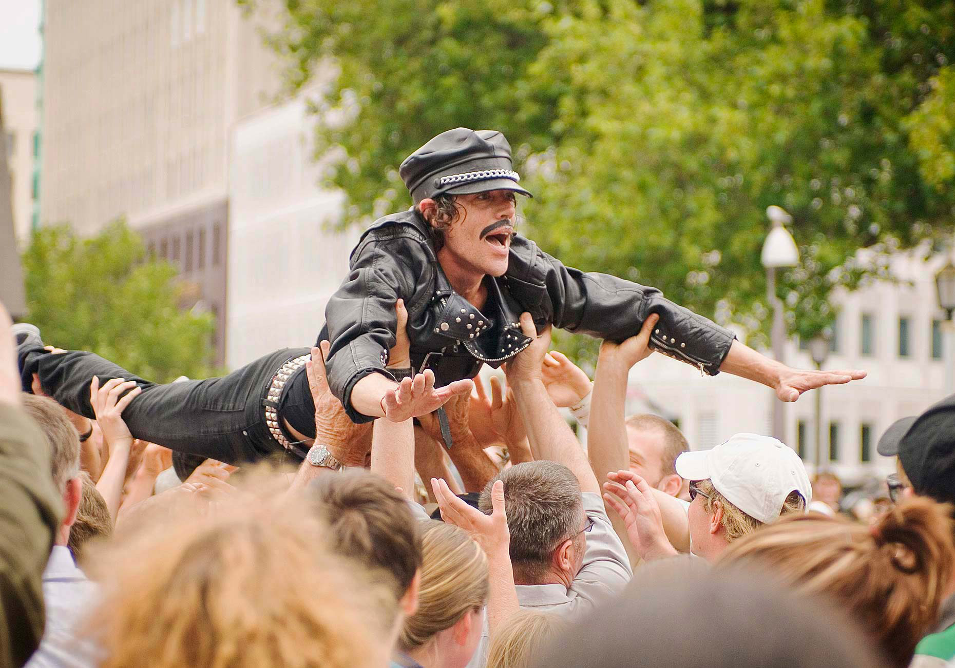 FEA_PhotoReporters_Mario-queen-of-the-circus-crowd-surfing-at-World-Buskers-Festival_Christchurch_NZ