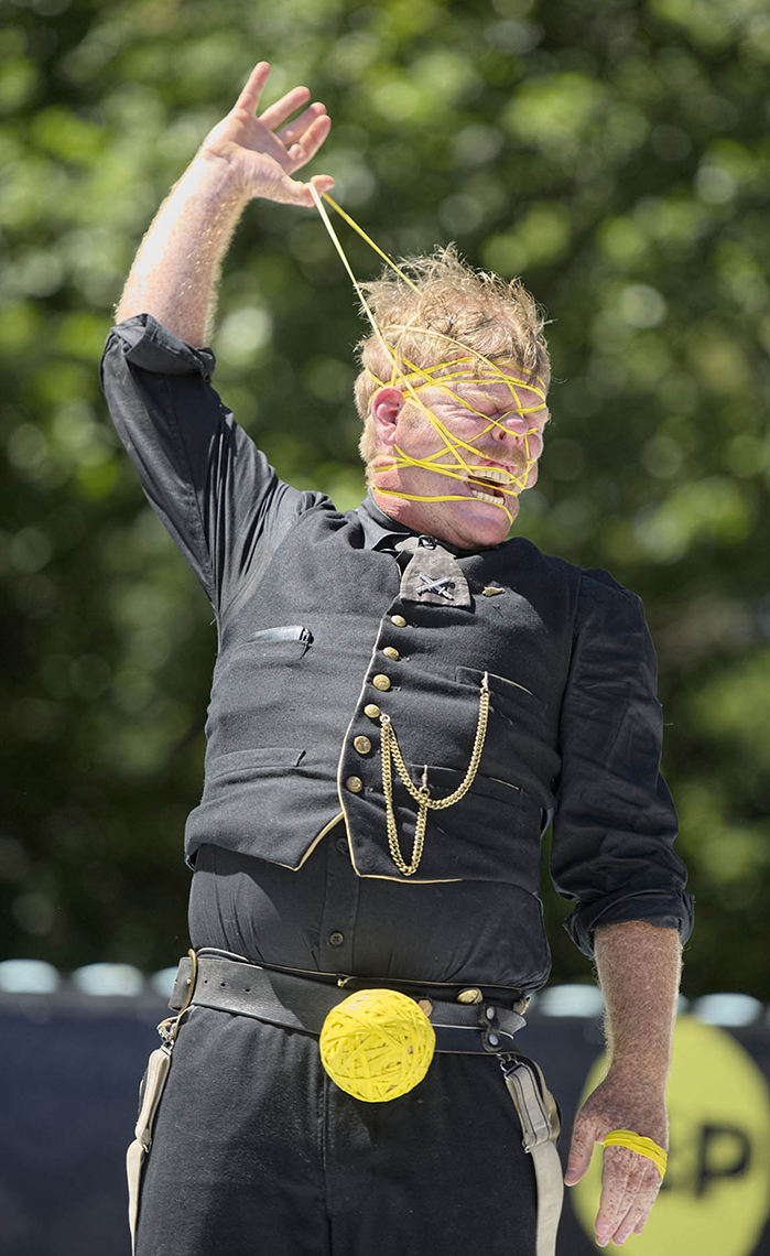 FEA_PhotoReporters_Rubberband-Boy-Shay-Horay-at-World-Buskers-Festival_Christchurch_NZ_002