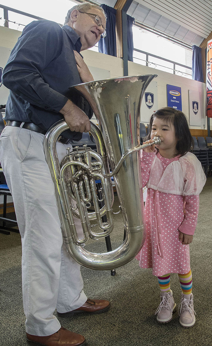 FEA_PhotoReporters_try-an-Instrument-day-at-School-of-Music_Christchurch_NZ