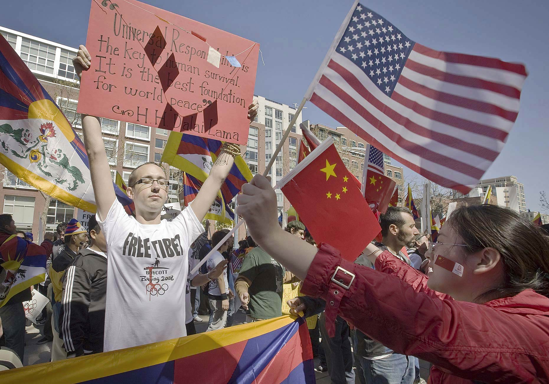 NEW_PhotoReporters_San-Francisco-Olympic-Torch-Protest-China-Tibet_002